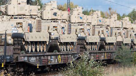 US-Militärkonvois rollen durch Deutschland