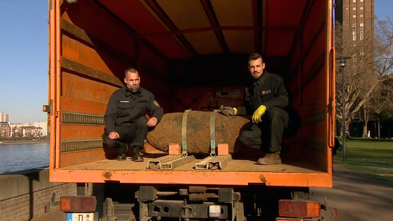 Fernverkehr Lahmgelegt Weltkriegsbombe In Köln Erfolgreich Entschärft Video Ntv