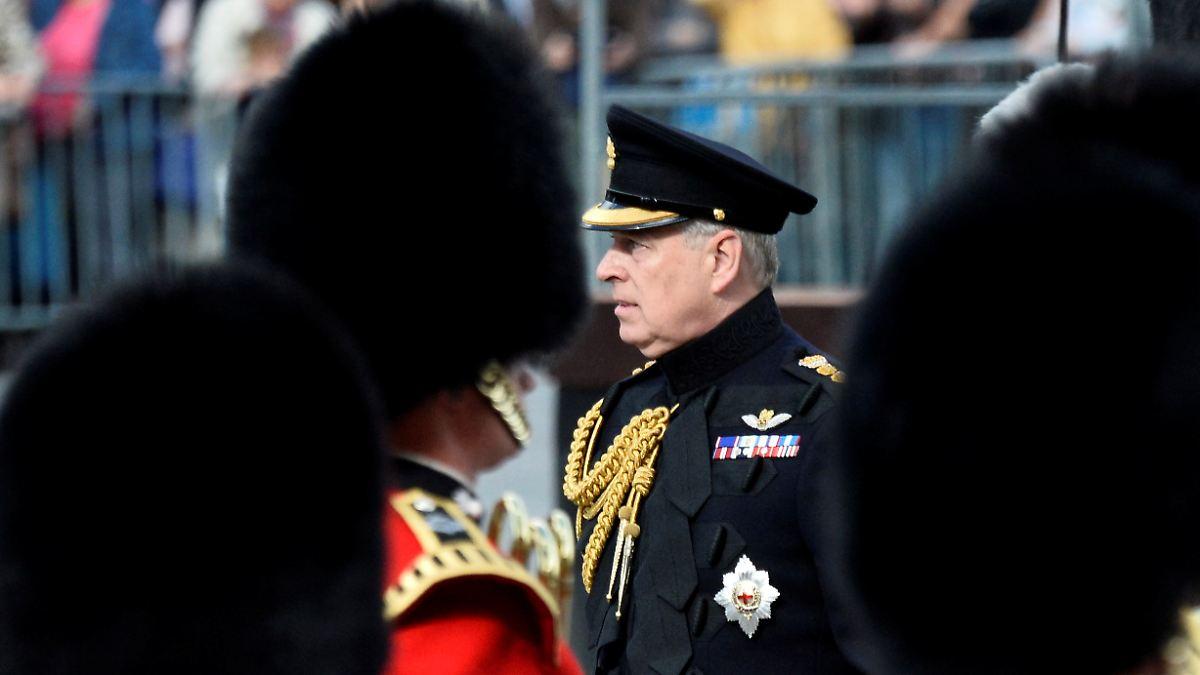 Prinz Andrew - nicht in Partylaune zum 60.