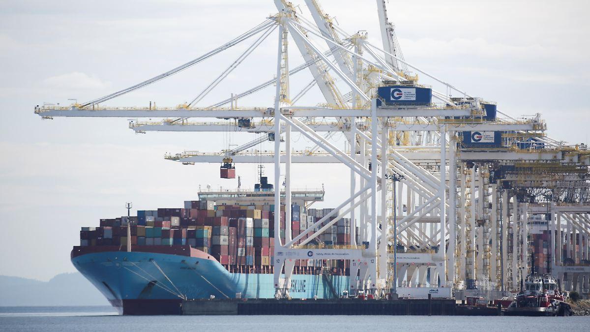 Welthandel könnte um ein Drittel einbrechen