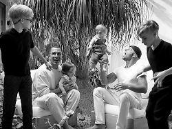 Mit Mann und vier Kindern: Ricky Martin öffnet das Familienalbum