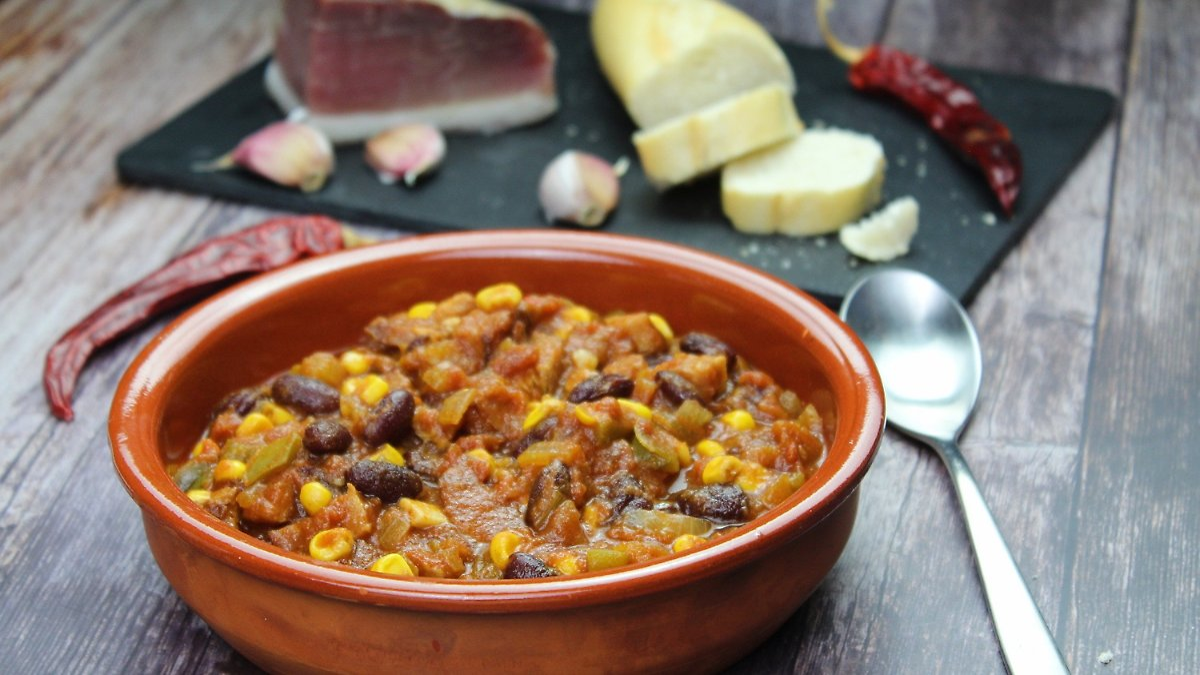 Deftiger Partytopf nach Chili-con-Carne-Art