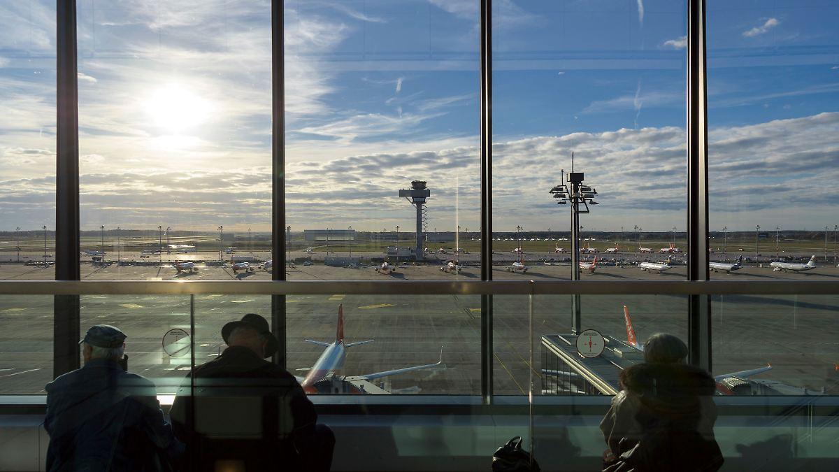 Trotz-660-Millionen-Euro-Hilfe-BER-schlie-t-Terminal-5-und-eine-Landebahn