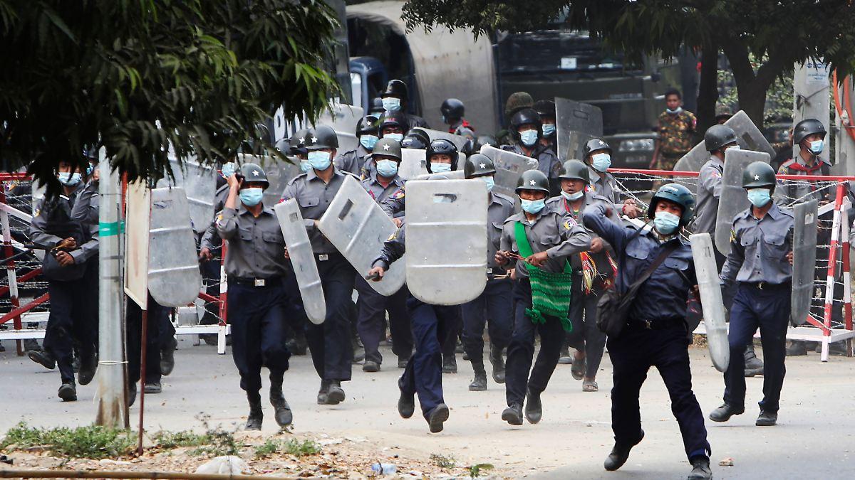 Verletzte und Tote bei Demos:Myanmars Polizei schießt scharf auf Bürger - n-tv NACHRICHTEN