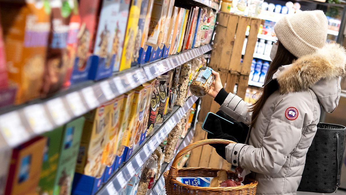 Lebensmittel deutlich teurer:Preise ziehen so stark an wie lange nicht - n-tv NACHRICHTEN