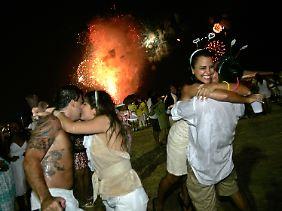 In Brasilien trägt man zum Jahreswechsel Weiß - darüber.