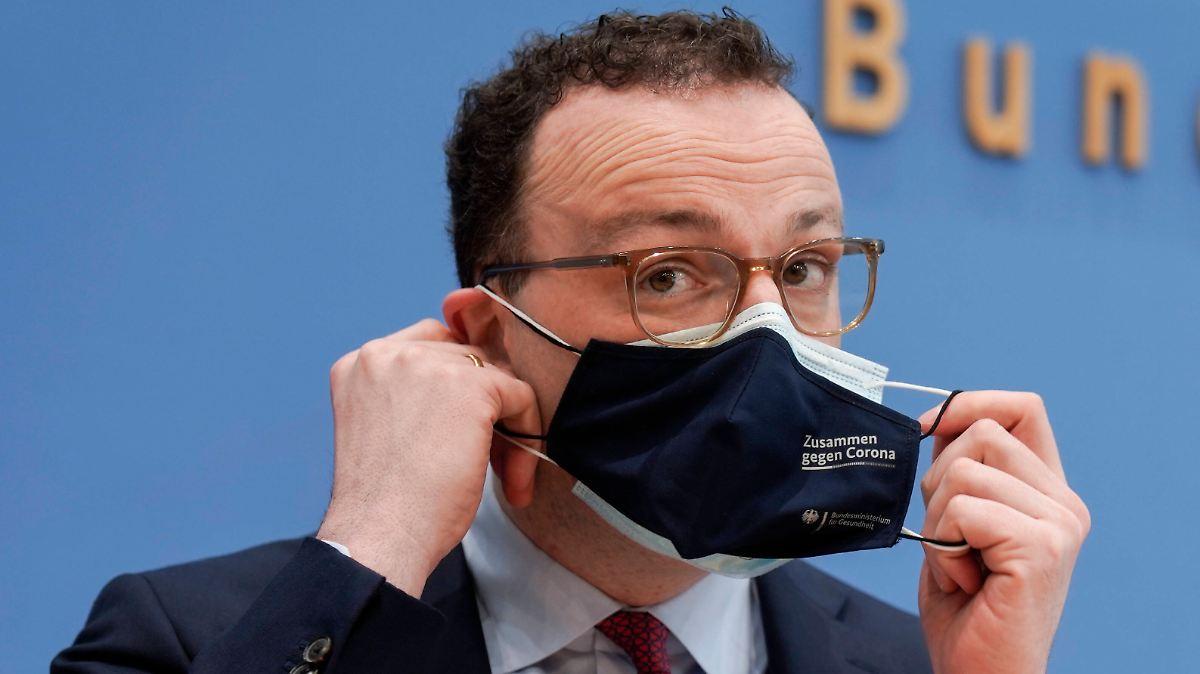 Kritik am Gesundheitsministerium: Rechnungshof beanstandet Maskenbeschaffung - n