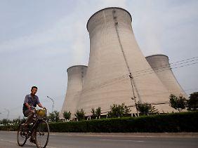 Veraltete Energieanlagen will China schließen.