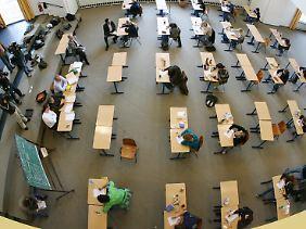 Abiturprüfung an einem Gymnasium in Düsseldorf.