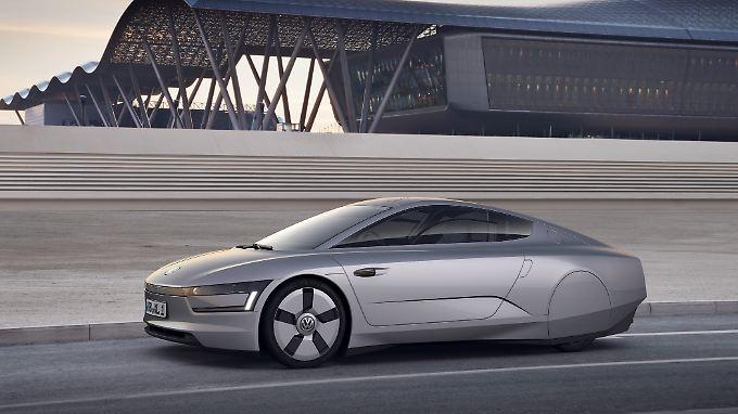 Mit dem XL1 will VW in zwei Jahren in Serie gehen. Als Hybrid kommt das Auto auf einen Verbrauch von weniger als einem Liter.