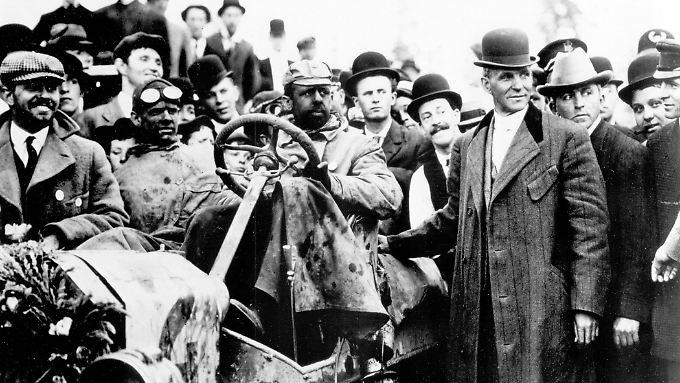 Mobilisierte die Massen: Henry Ford betätigte sich weniger als genialer Erfinder. Vielmehr machte er Autos für breite Schichten bezahlbar und startete die Massenproduktion.