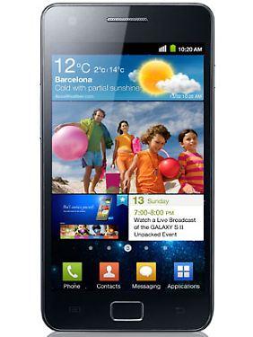 """""""Stiftung Warentest"""" beurteilt das Samsung Galaxy S II besser als Apples iPhone 4."""