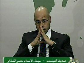 Der Gaddafi-Sohn warnt in einer Ansprache vor Chaos und Bürgerkrieg.