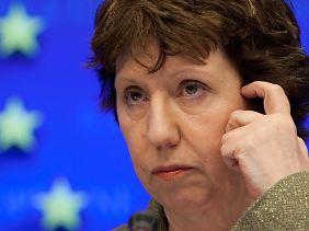 Die EU fordert ein Ende der Gewalt, sagt die Außenbeauftragte Ashton.