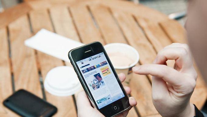 Smartphone und Social Media sind für viele im Urlaub nicht mehr wegzudenken.