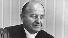 Generalbundesanwalt Siegfried Buback. Deutschlands höchster Ankläger wurde am 7. April 1977 in Karlsruhe von der RAF getötet (undatierte Aufnahme).
