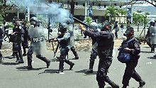 Polizei in Tegucigalpa greift durch.