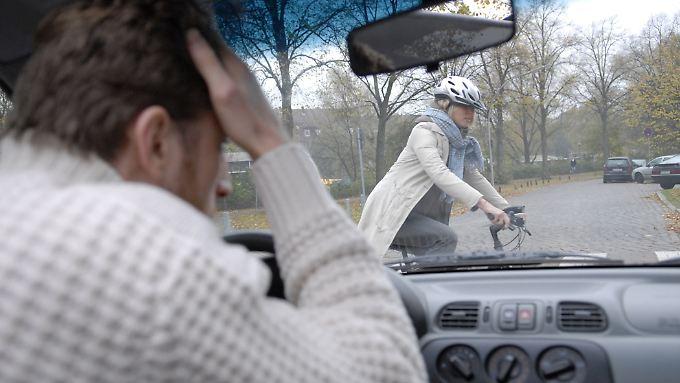 Radfahrer pflegen oft eine sehr eigene und freizügige Auslegung der Verkehrsregeln.