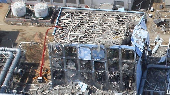 Aufnahmen aus einer unbemannten Drohne zeigen das ganze Ausmaß der Zerstörung in Fukushima 1.
