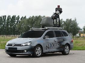 Mit solchen Autos der Firma Navteq sollen die Straßen gescannt werden.