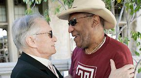 Vorwurf des sexuellen Missbrauchs: US-Model verklagt Bill Cosby und Hugh Hefner