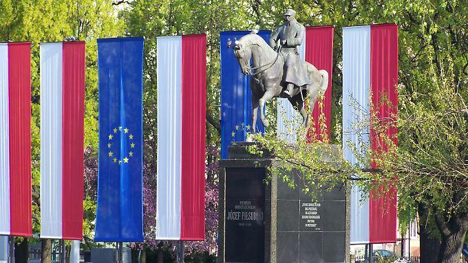 Polen ist längst EU-Mitglied, und in Lublin hängt die EU-Flagge direkt nebem dem Denkmal des früheren Staatschefs Jozef Pilsudski - trotzdem ist die Stadt bei deutschen Urlaubern noch nicht sehr bekannt.