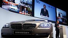 An dieser Motorhaube kommt im deutschen Autobau keiner vorbei: BMW führt die Rangliste weiter an.