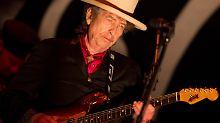 Ließ sich zensieren: Bob Dylan (bei seinem Auftritt in Vietnam).