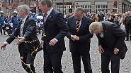 Antrittsbesuch in Hessen: Mann wirft Eier auf Wulff und Bouffier