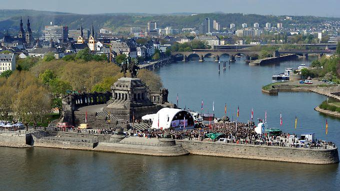 Koblenz ist verwandelt christian wulff beschirmt buga for Terrassenanlagen bilder