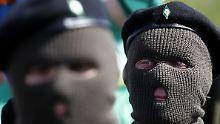 Die Extremisten erinnern in Londonderry an den irischen Osteraufstand 1916.