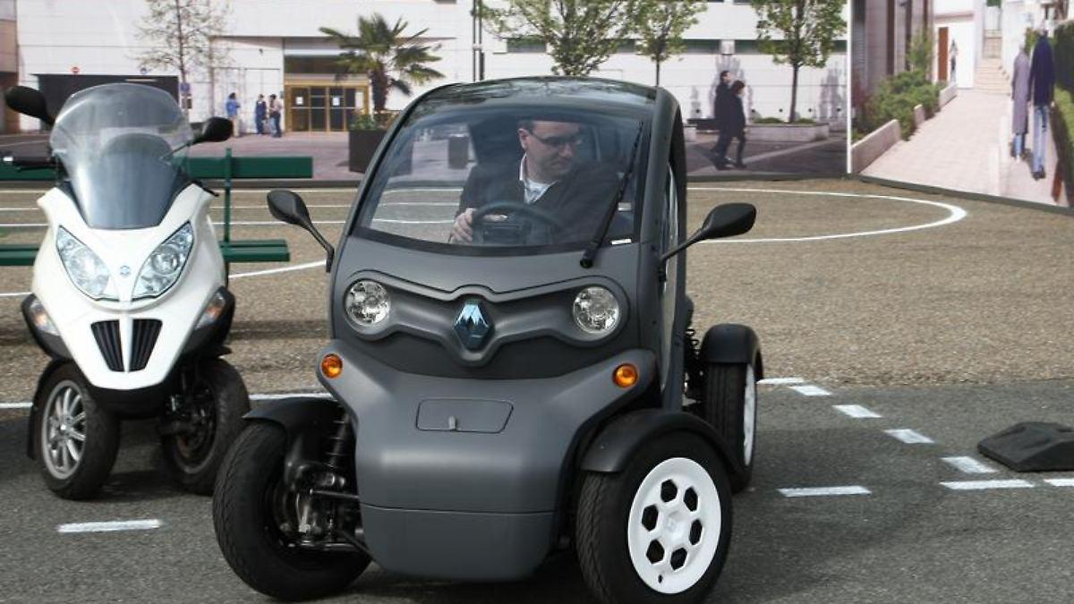 auto renault twizy elektro auto trifft motorrad n. Black Bedroom Furniture Sets. Home Design Ideas