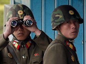 Alles unter Kontrolle? Nordkoreanische Soldaten an der Grenze zum Süden.