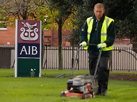Sanierung mit dem Rasenmäher: Anleihen aus dem irischen Bankensektor erweisen sich als schlechtes Geschäft.