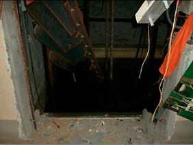 In die Keller, wie hier unter Reaktor 1, sind tausende Kubikmeter verseuchtes Wasser gelaufen. Über Kanalschächte gelangt das giftige Gemisch ins Meer.