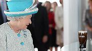 "Kein Knicks, keine Verbeugung: ""God Save the Queen"" in Dublin"