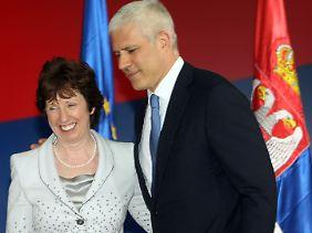 Wichtiger Schritt zur Annäherung: Serbiens Präsident Tadic mit der EU-Außenbeauftragten Ashton.