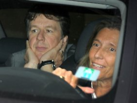 Kachelmann, hier hinter seiner Verteidigerin Andrea Combé, verließ das Gericht als freier Mann.