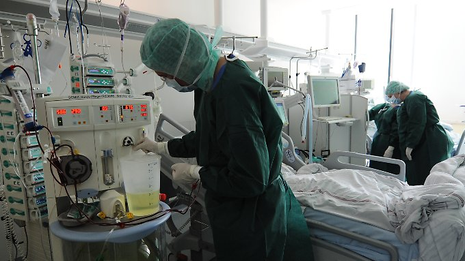 Kliniken arbeiten am Limit: Neue EHEC-Spur führt zu Sprossen