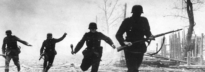 ... und zu dem Krieg, den er seit den 1920 er Jahren geplant hat: den Vernichtungskrieg gegen die Sowjetunion.
