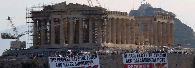 """Protestaktion auf der Akropolis: """"Organisiert den Gegenangriff!"""""""