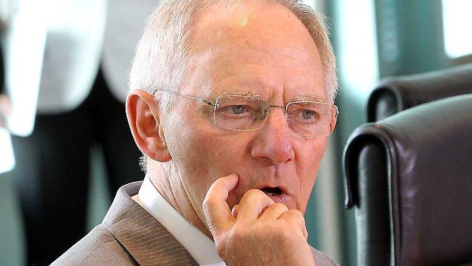 Wolfgang Schäuble muss sich gegen die Begehrlichkeiten seiner Koalitionspartner wehren.