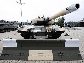 Der Panzerprototyp Leopard PSO. Aus ihm wurde die aktuelle Ausführung, der Leopard 2 A7+, entwickelt.
