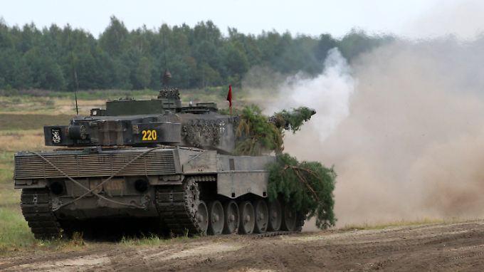 Auch Koalitionspolitiker äußern Bedenken: Panzergeschäft für Opposition ein Skandal