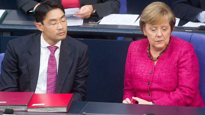 Merkel und Wirtschaftsminister Rösler (FDP) schweigen eisern.