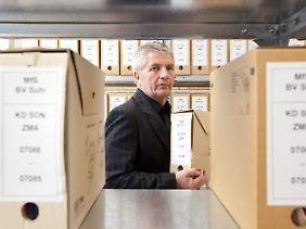 """Roland Jahn betont, dass die Stasi """"Teil der Geschichte aller Deutschen"""" sei."""