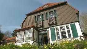 Das Hauptmann-Haus in Kloster: Der Dichter und Nobelpreisträger nutzte die Gebäude in den Sommermonaten zum Wohnen und Arbeiten.