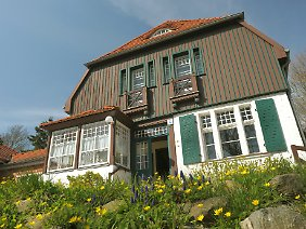 Hauptmann-Haus in Kloster: Der Dichter nutzte die Gebäude in den Sommermonaten zum Wohnen und Arbeiten.