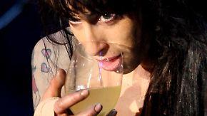 Vergöttert und ausgebuht: Leben und Sterben der Amy Winehouse