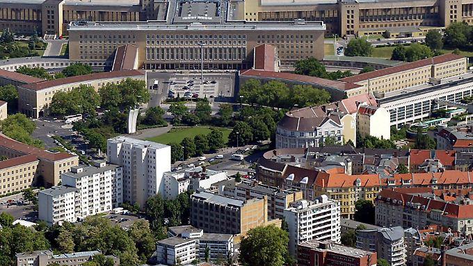 Das IM-Hotel befand sich unweit des Flughafens Tempelhof in der Dudenstraße.